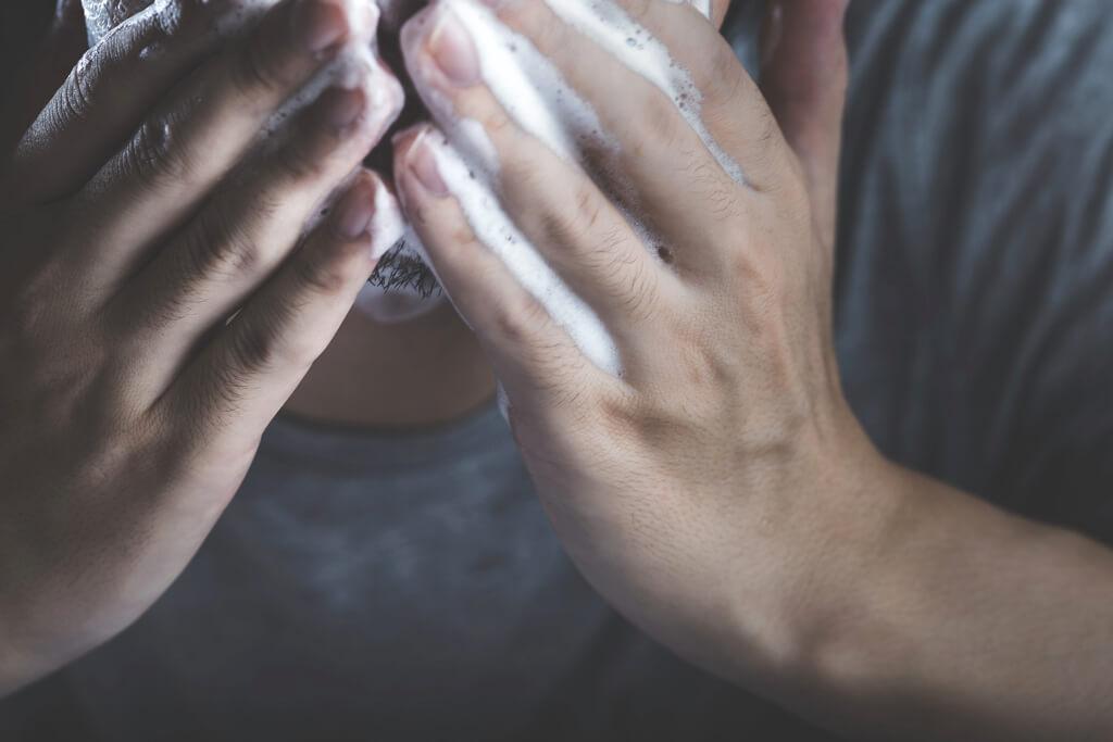 1.正しい方法で洗顔をしよう