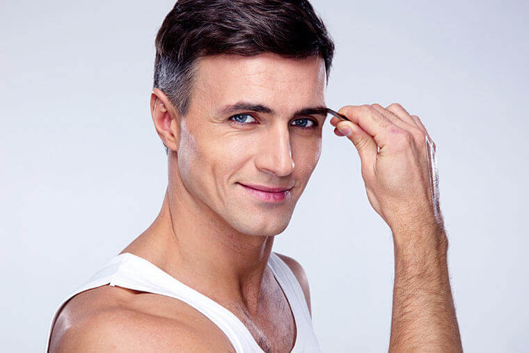男性の眉毛メイクの手順