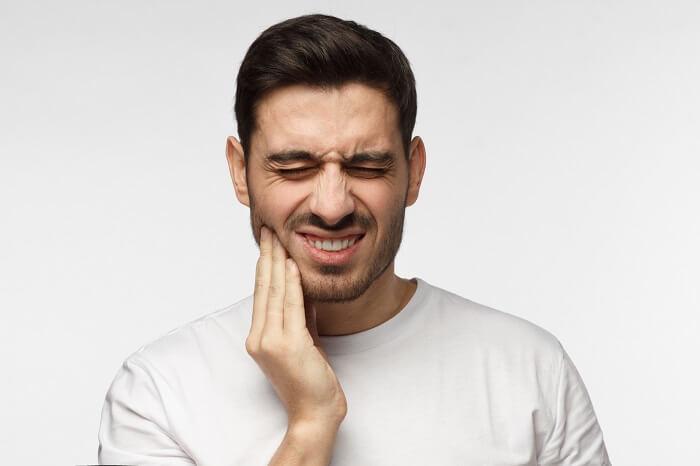髭の永久脱毛には痛みが伴う