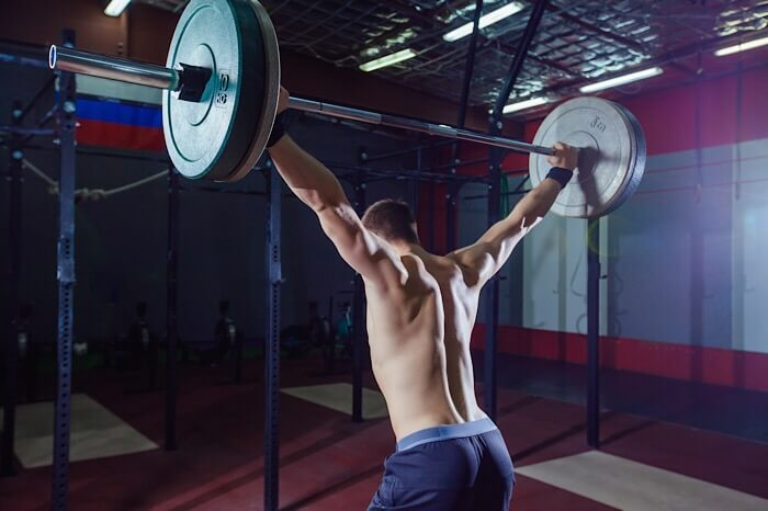 オーバーヘッドスクワット鍛える筋肉