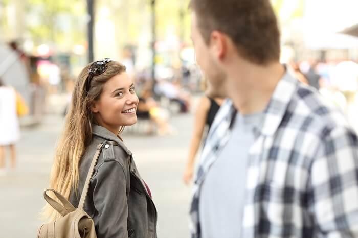 世の男性は、どうやって女性に出会っている?