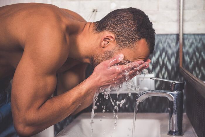 洗顔で髭を柔らかくする