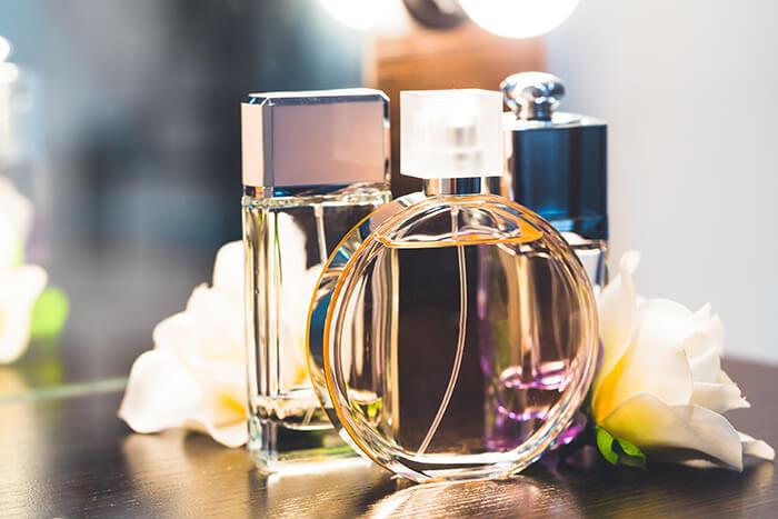 女性が好むメンズ香水の香りとは?