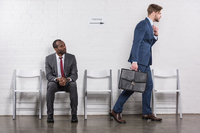 就職活動で企業に訪問する時
