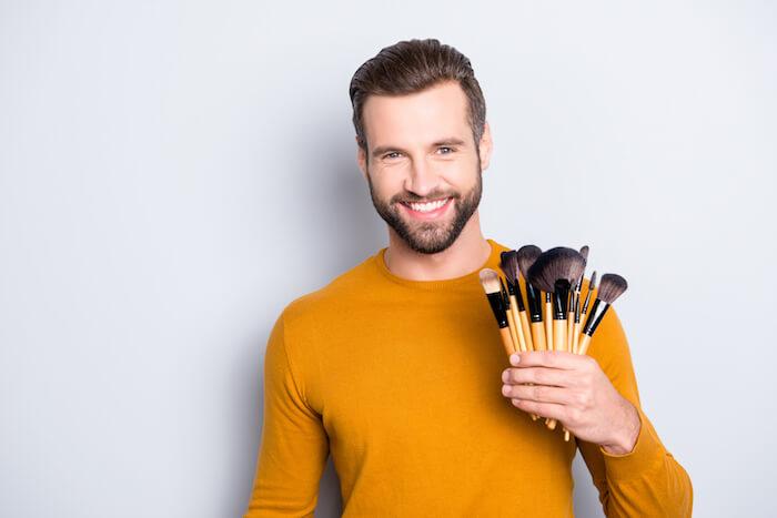 メイクをする男性はどんな時にしてる?