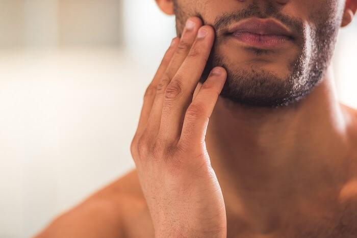 7.青髭を作らないように髭の処理を徹底する