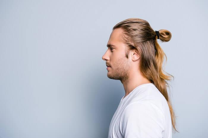 メリット3.茶髪や長髪も似合う
