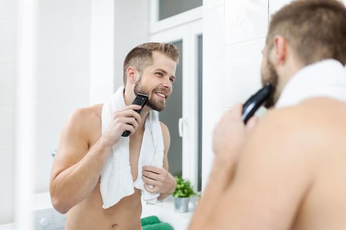 濃い髭を薄くする方法③正しい髭剃りを行う