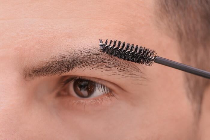 ②眉毛ブラシ