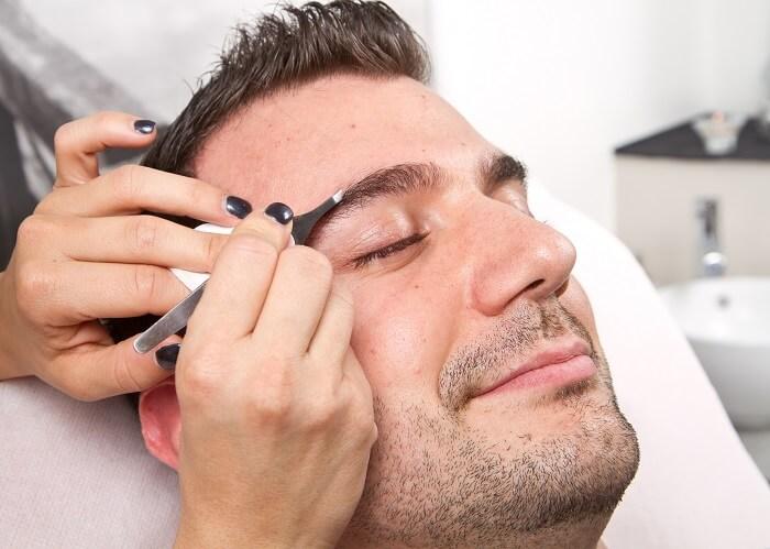 眉毛を整える手段