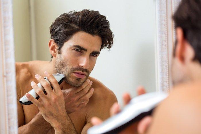 髭の長さを整える