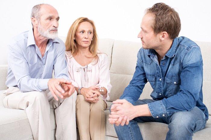 親に結婚を反対されたときの対処法