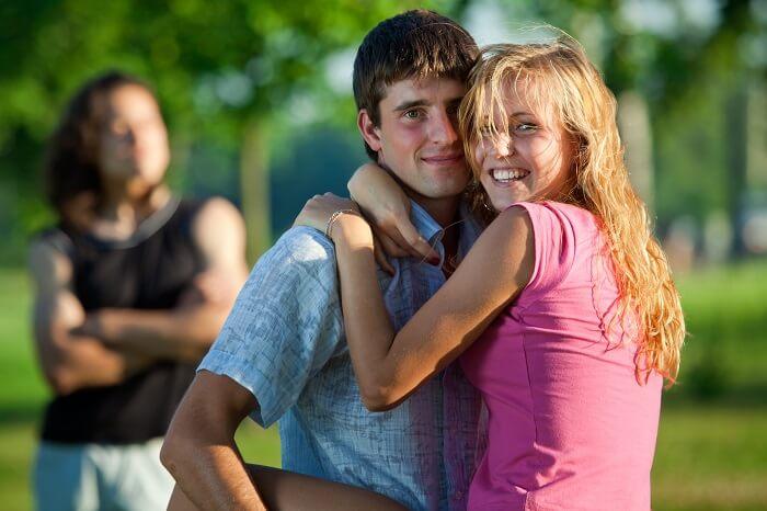 【裏テク】略奪こそ愛!好きな人に彼氏がいた時のおとしかたを徹底解説