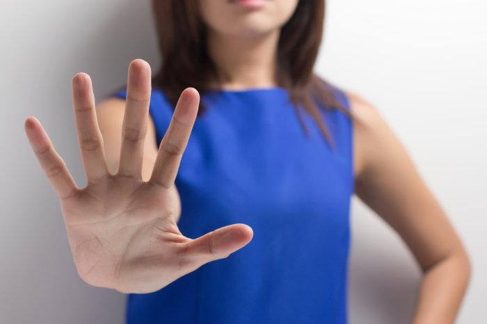 デメリット:ツルツルの脇に拒絶反応をしめす女性もいる