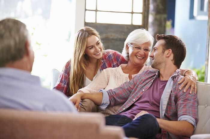 家庭環境や交友関係はどうなのか