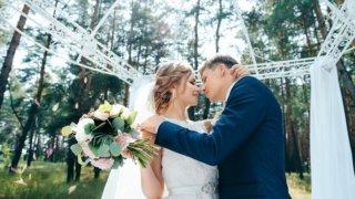 白人女性と結婚した先に待つ苦労とは?国際結婚の高い壁を越えて幸せになるコツも紹介