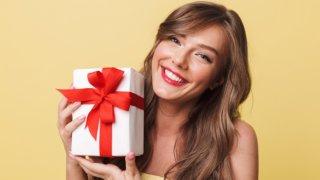 彼女が喜ぶ誕生日プレゼントを紹介!年1回の大事な日を精一杯お祝いしよう