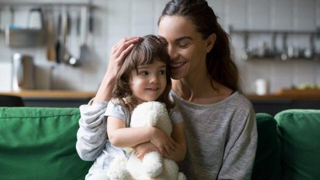 シングルマザーを好きになったら覚悟を決めるべし!シンママと付き合うコツと注意点を解説