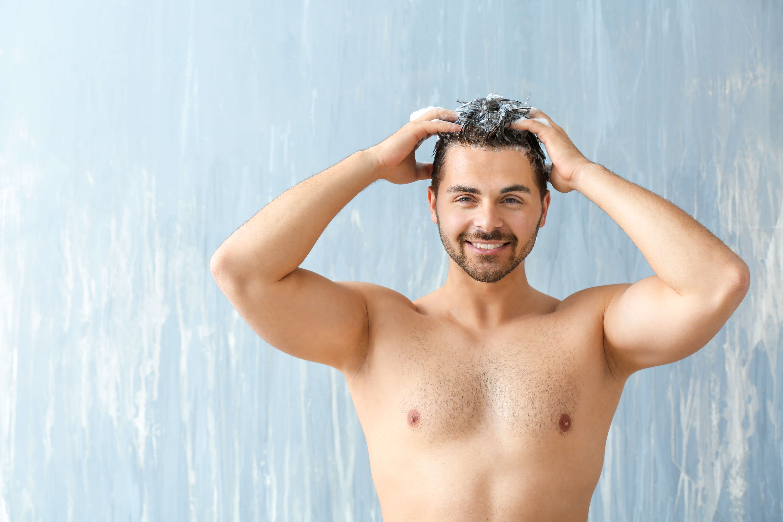 ①頭皮にいいシャンプーで洗う