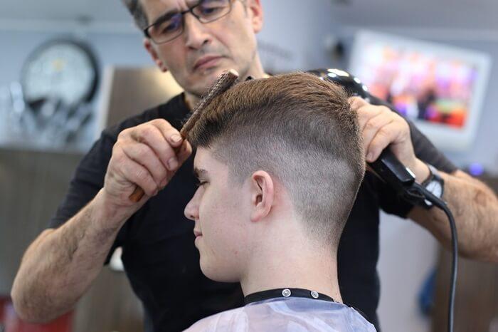 床屋が得意な髪型が流行っている