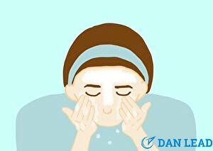 洗顔ステップ5.ぬるま湯の流水ですすぎ洗い