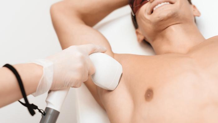 男性におすすめの脇毛処理5選!チクチクしない脇毛の長さ、処理方法とは?