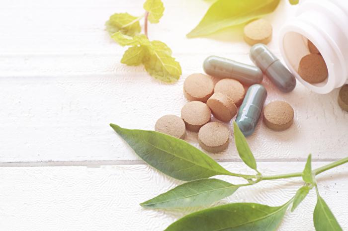 副作用のリスクが小さい治療薬を選ぶ